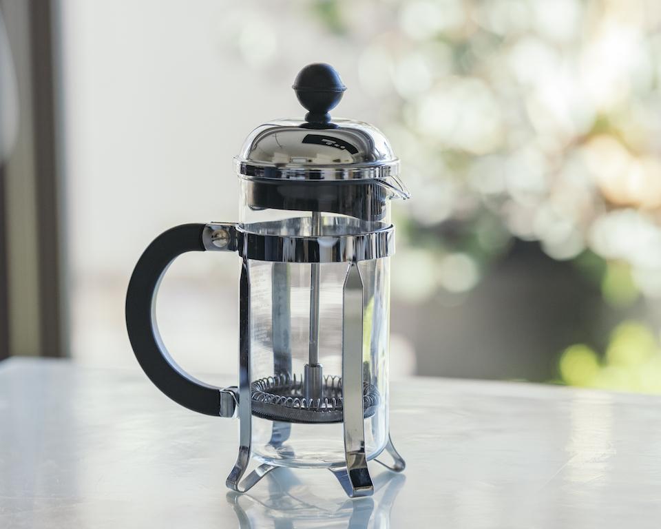 フレンチプレスでコーヒーを美味しく淹れる|分量・抽出時間・豆選び・使い方まとめ